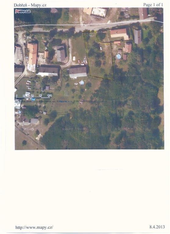 FOTO - Prodej stavebního pozemku v centru obce Dobřeň o velikosti 1354 m2