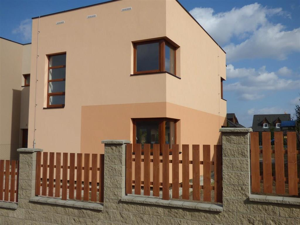FOTO - Prodej novostavby RD o velikosti 4+kk+komora+ 2x koupelna a stání na 2 auta+zahrada 360 m2 v Libiši