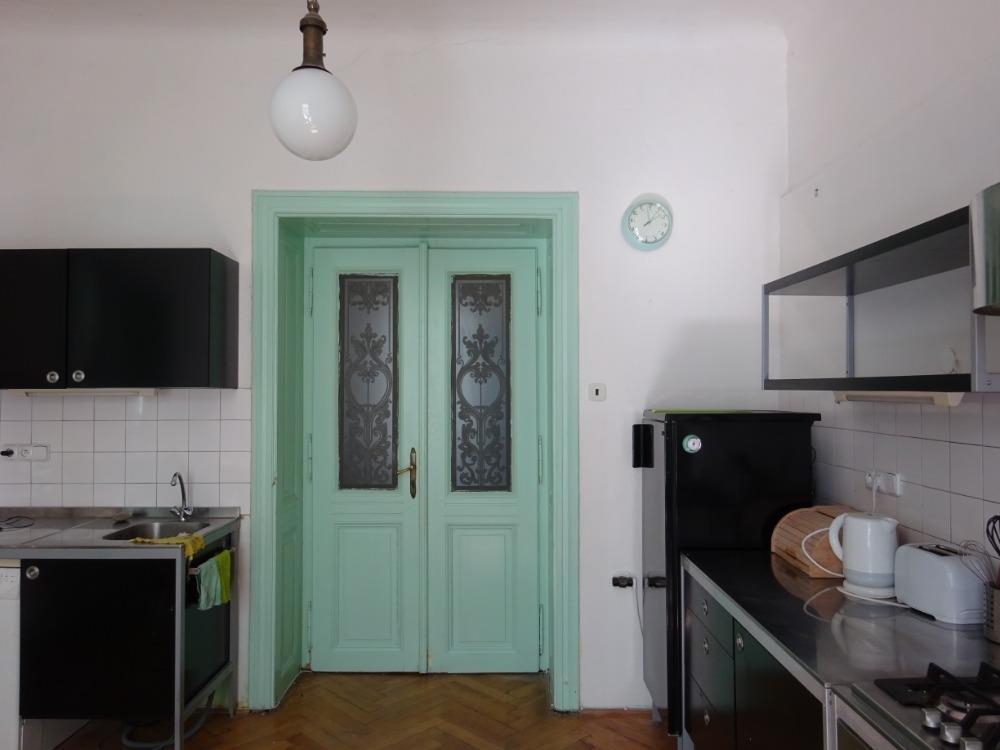 FOTO - Pronájem atypického apartmánu 3k.k. 78 m2, atraktivní lokalita, Mělnická ul., Praha 5, Újezd - Malá Strana