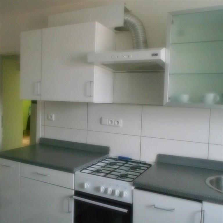 FOTO - Nabízím k prodeji byt v družstevním vlastnictví o velikosti 2+1+koupelna+WC+šatna + 2x sklep, po rekonstrukci Neratovice.
