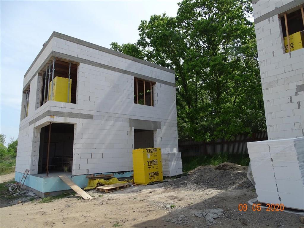 FOTO - Prodej novostavby RD o velikosti 5+kk+komora+ 2x koupelna a stání na 2 auta+zahrada 455 m2, Neratovice-Lobkovice.
