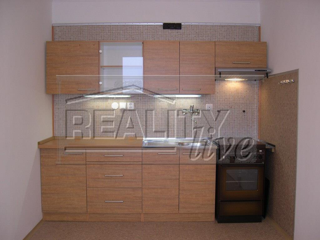 FOTO - Pronájem bytu 3+1/2x Lodžie, komora, sklep, 85 m2, náměstí Republiky - Neratovice