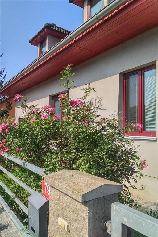 FOTO - Nabízím k prodeji RD o velikosti 4+kk+komora+koupelna+2xWC+garáž+stání na auto+ zahrada 653 m2, Zlonín