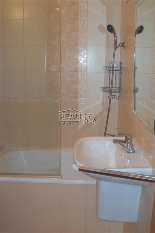 FOTO - Pronájem bytu 2+k.k./Lodžie+komora na chodbě + sklepní kóje, 5. patro, plocha bytu 50.05 m2, náměstí Republiky - Neratovice